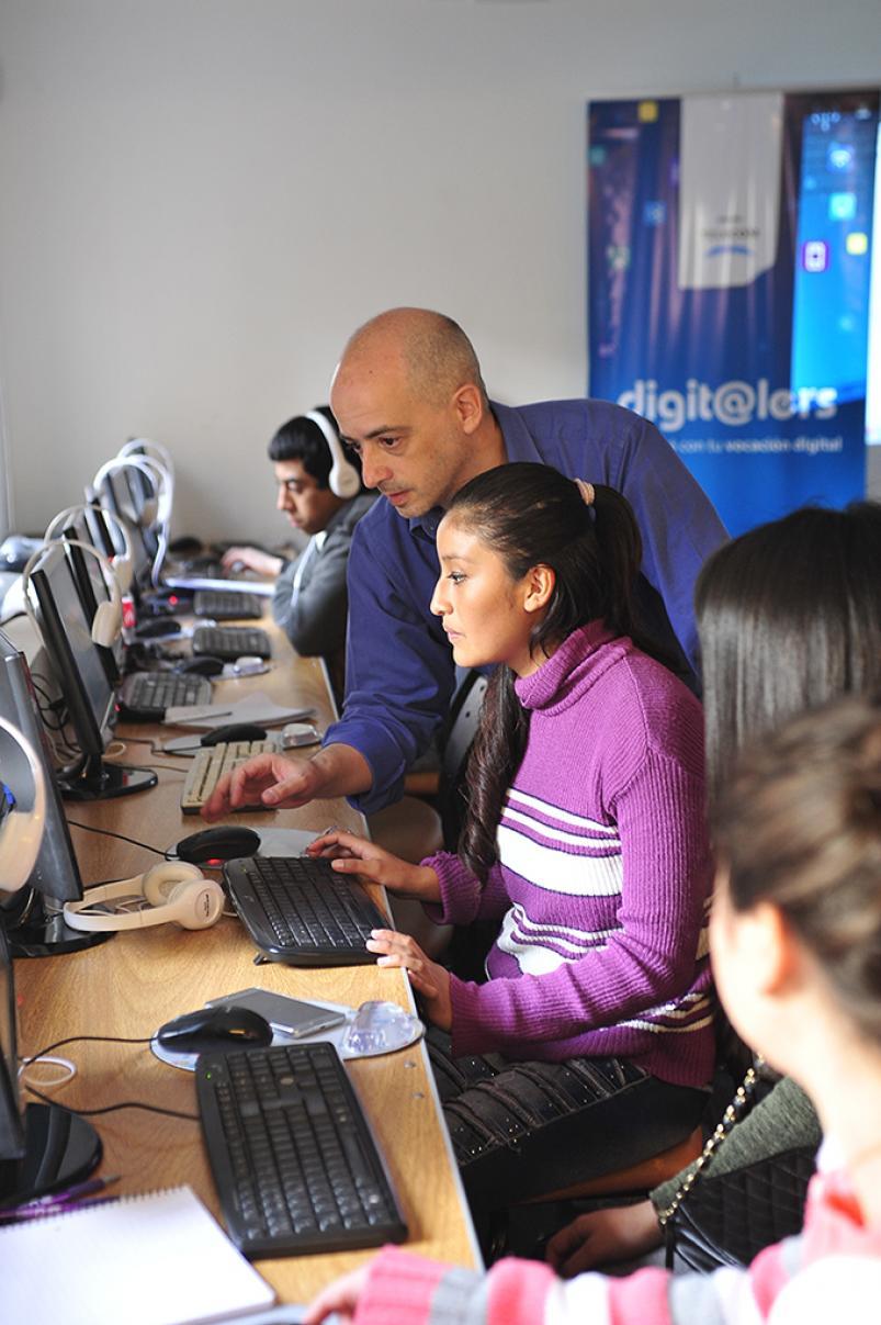 Cómo es la capacitación en los nuevos oficios digitales - ElDoce.tv