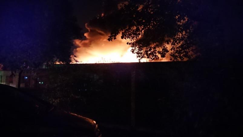 Se incendió una fábrica de colchones en Córdoba