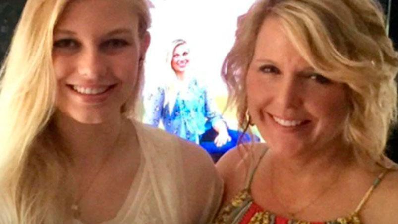 Estremecedor video: periodista anuncia en vivo la muerte de su hija drogadicta