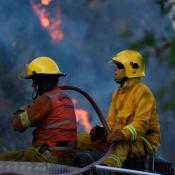 bomberos-incendio-fuego-llamas-cosquin