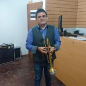 trompetista-juan-luis-guerra-busca-joven