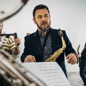 michi quiroga saxofonista telonero