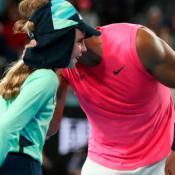 Rafael-Nadal-alcanzapelotas-abierto-de-australia