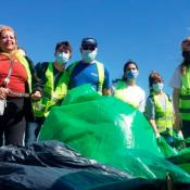 voluntarios-limpieza-lago-san-roque