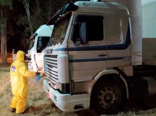 san-francisco-controles-coronavirus-camionesl.jpg